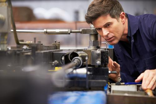 5 ways to more effectively maintain manufacturing equipment