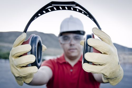 7 ways for factory workers to protect their hearing