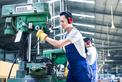 5 machine safety tips for your manufacturing company